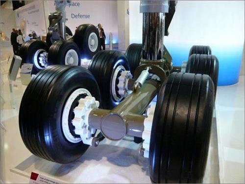 不寻常的飞机轮胎
