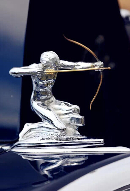 汽车品牌的标志,往往代表了品牌的精神诉求.当年形态各异的高清图片