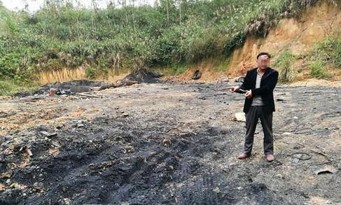 """广西警方摧毁一轮胎炼油厂""""/"""