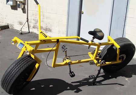 安装汽车胎的自行车